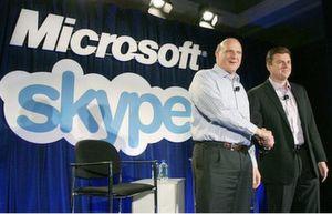 Microsoft-Chef Steve Ballmer (links im Bild) und Skype-CEO Tony Bates träumen von Echtzeit-Kommunikation für Consumer und Geschäftsleute rund um den Globus.