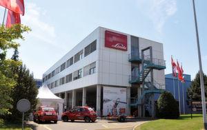 Die Zentrale der Linde Lansing Fördertechnik AG in Dietlikon ZH. (Bild: Linde Lansing)