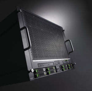 Die Vorderfront des Rack-Server Primergy RX 900 SE