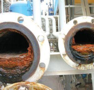 A flange or a valve which is closed, where there is no flow of liquids, is the most susceptible area to biofouling. This picture shows the actual condition of the pipeline (dead legs) before Merus Ring was applied. (Picture: Merus Engineering)