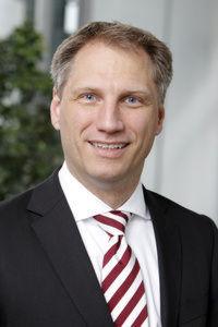 April 2012 die Nachfolge von Ernst Raue