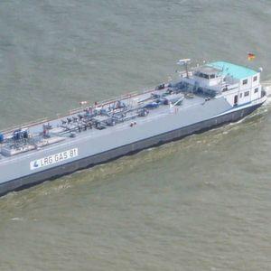 Gute Zeiten: Bei normalen Pegelständen ist das Binnenschiff sehr gefragt. Bei Niedrigwasser bekommen die Schiffer Probleme. (Bild: Frila, GNU Lizenz Wikipedia.de)