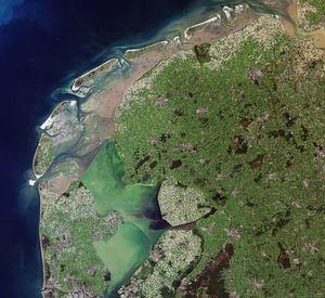 Kaum Wolken über Europa - hier eine Satelliten-Aufnahme der ESA von einem Teil der Niederlande (multimediia,esa.int)