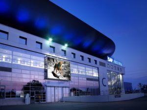 Die SAP-Arena Mannheim nutzt Efaflex-Tore als Sicherheitseinrichtung. (Bild: Efaflex)