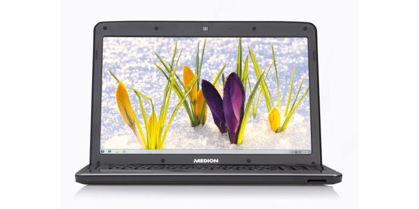 Das Notebook Medion Akoya P6634 kommt mit einem Intel-Core-i3-Prozessor.