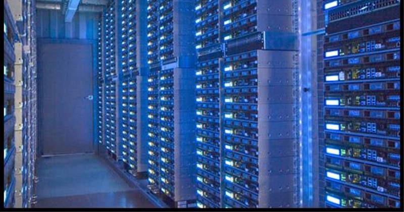 Container-Rechenzentrum: Um Platzproblemen vorzubeugen ist die Verlagerung der IT-Infrastruktur in mobile Container eine häufig gewählte Alternative zum herkommlichen Server-Raum. Bild: Rackable (Bild: Rackable)