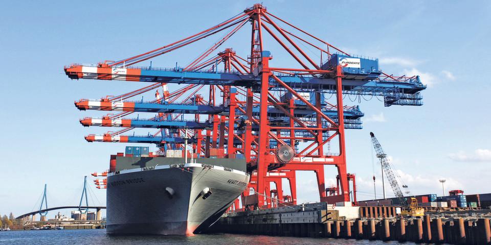 Mit gut 1.800 Beschäftigten betreibt das HPA ein zukunftsorientiertes Hafenmanagement aus einer Hand (F'oto: Gregor Schlaeger)