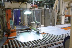 Maßgeschneiderte Edelstähle für die Umformtechnik sind sowohl in ihrer Legierungszusammensetzung als auch in Form eines Tailored-Blechhalbzeuges modifiziert und optimiert. (Bild: Kuhn)