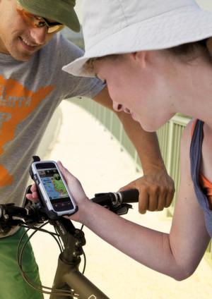 Mit dem Outdoor-Navi tw700 von Takwak kann man auch telefonieren.