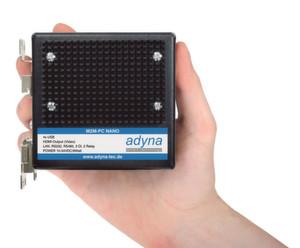 Der M2M-PC Nano hat ein kompaktes, lüfterloses Design. (Bild: Adyna)