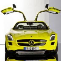 Ein Blick in den Mercedes-Benz SLS AMG E-CELL – Hightech sichtbar gemacht