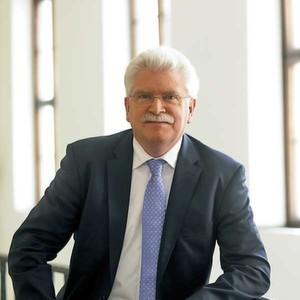 Wirtschaftsminister Martin Zeil fordert ein mehr Beteiligung des Bundes (Foto: Bayerisches Staatsministerium für Wirtschaft, Infrastruktur, Verkehr und Technologie)