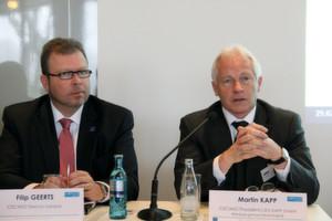 Die Cecimo-Repräsentanten Filip Geerts (li.) und Martin Kapp betonten die Bedeutung der Initiative für die nachhaltige Produktion. (Bild: Schnell)