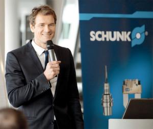 Jens Lehmann und der Kompetenzführer für Spanntechnik und Greifsysteme Schunk – beide zählen auf ihrem Gebiet zu den Besten. (Bilder: Schunk)