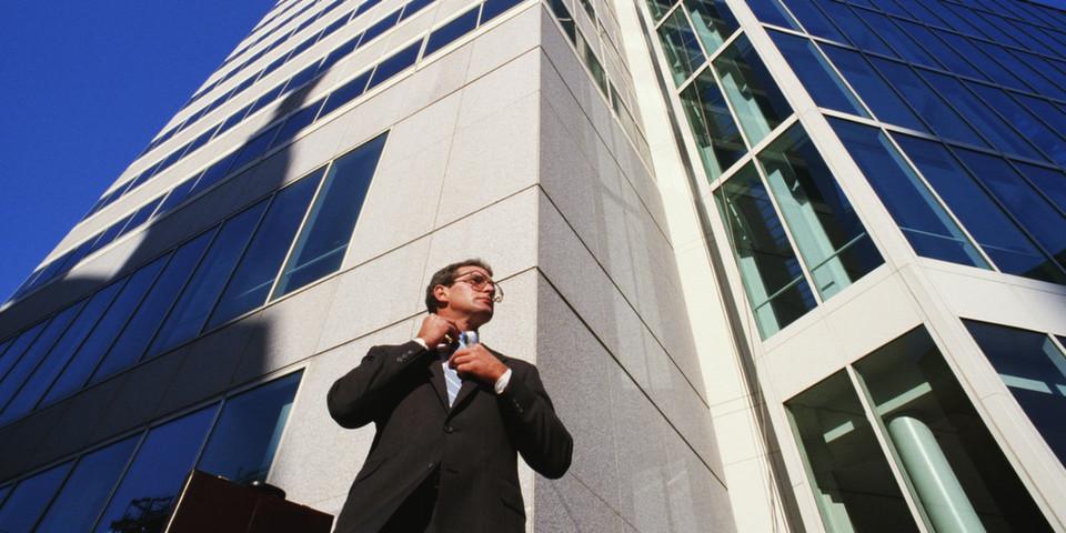 Manager setzen auf Outsourcing um Kosten zu reduzieren.