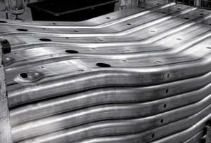 Innovationen für die Automobilindustrie – dafür und speziell für IHU-Produkte steht der Name Finow Automotive.