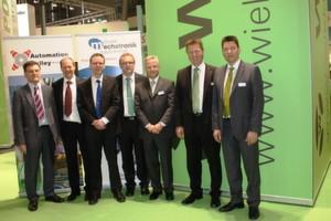 Gruppenbild der Initiatoren und Referenten des MesseTalks von Automation Valley Nordbayern und Cluster Mechatronik & Automation.