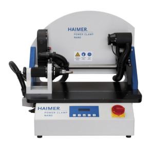 """Das Schrumpfgerät """"Power Clamp Nano"""" von Haimer eignet sich durch sein horizontales Konzept für kleine Werkzeuge und entsprechende Aufnahmen"""