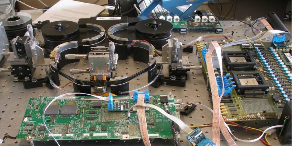 So ähnlich dürfte der Versuchsaufbau aussehen, wenn im Labor die 100 TByte Tape-Technik entwickelt wird.