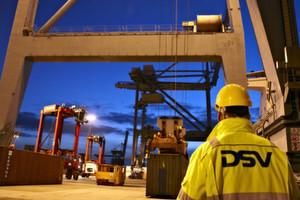 Containerverladung für GM: DSV Air & Sea beliefert sämtliche Produktions- und Ersatzteilstandorte des weltgrößten Automobilherstellers aus EMEA.