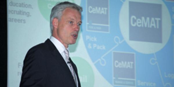 Dr. Andreas Gruchow demonstriert die Neuausrichtung der Cemat und gibt die Zusammenarbeit mit der Messe München bekannt.