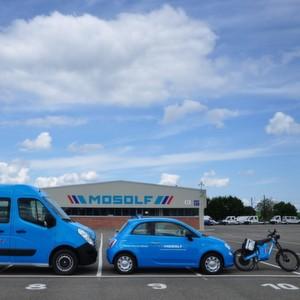 Zwei Pkw, ein Personentransporter und fünf Leichtkrafträder auf Elektrobasis setzt Mosolf an drei Unternehmensstandorten ein.