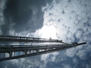 Im Mai 2012 wurden zwölf Regalbediengeräte im Rehau-Werk in Feuchtwangen eingebracht.