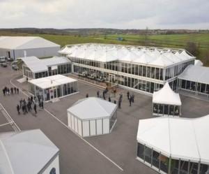 Losberger ist mit rund 650.000 m² Zelt- und Hallenbestand einer der führenden Anbieter in der Vermietung mobiler Hallen und Zeltsysteme.