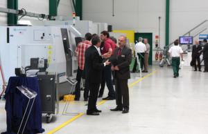 Mehr als 100 Kunden und Interessenten nutzten die Hausausstellung, sich über das Werkzeugmaschinenprogramm von Unitech, Chemnitz, zu informieren.