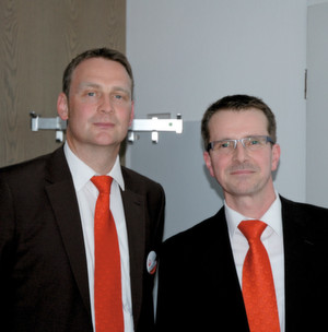 Volker Alps (left) and Peter Guttmann (rights) present the latest Berkefeld water treatment products.