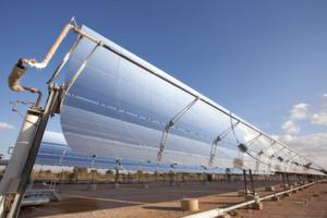 Beim Desertec-Projekt wollen die beteiligten Unternehmen in den Wüsten Nordafrikas Solarthermieanlagen errichten, um Europa mit Strom zu versorgen.