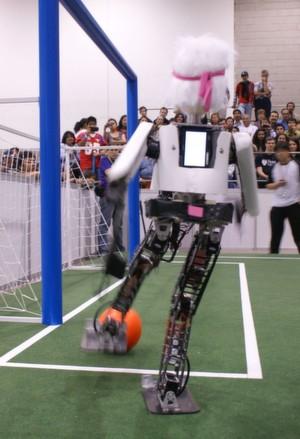 Mexico City: WM-Sieger im Roboter-Fußball ist das Team NimbRo aus Bonn. Neuster Zugang in der Bonner Mannschaft: Der humanoide Roboter Copedo.