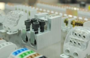 Mit dem Verteilerblock hat Leipold eine maßgeschneiderte Lösung zur Energieverteilung mit Kupfer- und Aluminiumleitern bis 500 mm2 entwickelt.