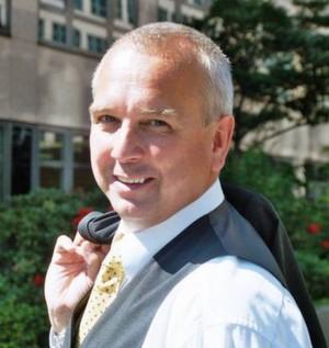 Hans-Jörg Schumacher arbeitet als Managementberater und -trainer für die Unternehmensberatung Dr. Kraus & Partner.