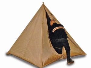 Klein und flexibel ist das EMV-Zelt, das aus leitfähigem Textil besteht und über eine Rahmenkonstruktion verfügt