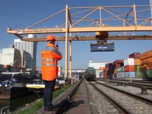 Containerterminal in Basel: Contargo verfügt in Deutschland, den Niederlanden, Frankreich und der Schweiz über 25 Containerterminals in Binnenhäfen.