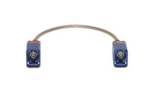 Die an Kabeln montierten Buchsen und Stecker sorgen bei diesem Steckverbinder für noch mehr Vielseitigkeit.