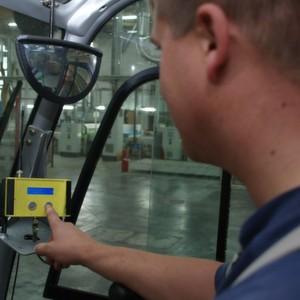 Mit der Ruffunktion des LT04 können Flurförderzeuge schnell per Knopfdruck an die Stelle beordert werden, an der Ware abgeholt werden muss.