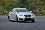 Der 423 PS starke Lexus IS F verfgt ber mehr Potenzial, als die meisten Fahrer abrufen knnen. Rallye-Pilotin und Lexus-Markenbotschafterin Isolde Holderied zeigte auf dem Testgelnde, was alles mglich ist.