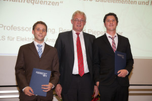 Verleihung Baumüller-Diplompreis 2012 auf der Absolventenfeier der Technischen Fakultät der FAU: Michael Löffler (v.l.n.r.), Herbert Hesslinger, Alexander Rambetius