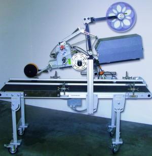 Die Integration des Etikettiergeräts in die Förderstrecke der Produktionsanlage eines Spielzeugherstellers war innerhalb von fünf Tagen geschehen.