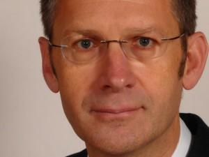 Hubert Hölzl ist Inhaber des auf den Mittelstand spezialisierten Trainings- und Beratungsunternehmens Hölzl & Partner.