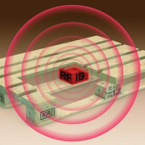 Falkenhahn bringt die erste RFID-Tauschpalette auf Holzbasis auf den Markt.