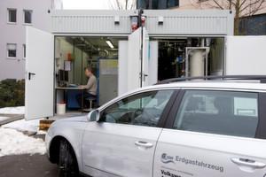 Wird Ökostrom zur Wasserstoff- oder Methanerzeugung genutzt, kann man auch mit regenerativer Energie Auto fahren. Diese Form der Energiespeicherung gilt deshalb als vielversprechend.