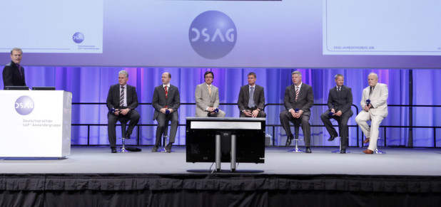 Keynote des 13. DSAG Jahreskongress 2012 in Bremen: Knapp 4.000 Besucher folgten der Einladung mit reichhaltigem Programm: 300 Vortrge in 52 Themensitzungen und 175 Partner auf einer Ausstellungsflche von 14.600 Quadratmetern.