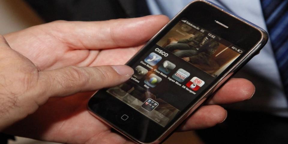 Private Smartphones kommen laut Cisco-IBSG-Horizons-Studie immer häufiger auch am Arbeitsplatz zum Einsatz.