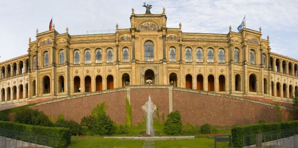 Eines der Wahrzeichen von München: Das Maximilaneum und Sitz des Bayerischen Landtags.