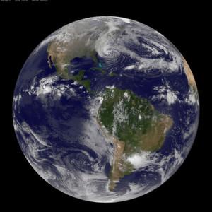 Das Bild des GOES-13-Satelliten zeigt die Ausmaße von Sandy in einem globalen Maßstab