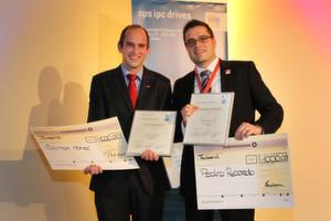 Gewinner des SPS IPC Drives 2012 Young Engineer Awards 2012: v.l. Simon Hoher, Universität Stuttgart und Pedro Reboredo, Bosch Rextroth.