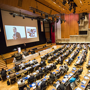 Mehr als 300 Fachleute kamen zur zweiten Fachtagung Carbon Composites ins Kongresszentrum nach Augsburg.